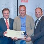 Tiroler Sportehrennadel in Gold mit Brillant für Guido Achleitner & Michael Rass